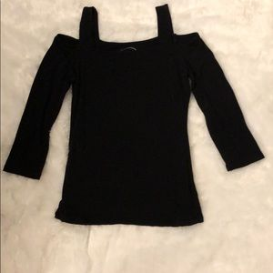 Cold shoulder 3/4 sleeve black top